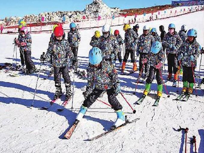 """淄博新体验2020年""""冰雪骑士""""主题冬令营"""